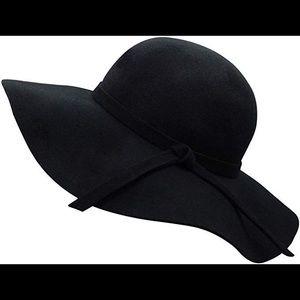 Accessories - FLOPPY BRIMMED HAT